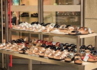 How to Start an Online Shoe Store