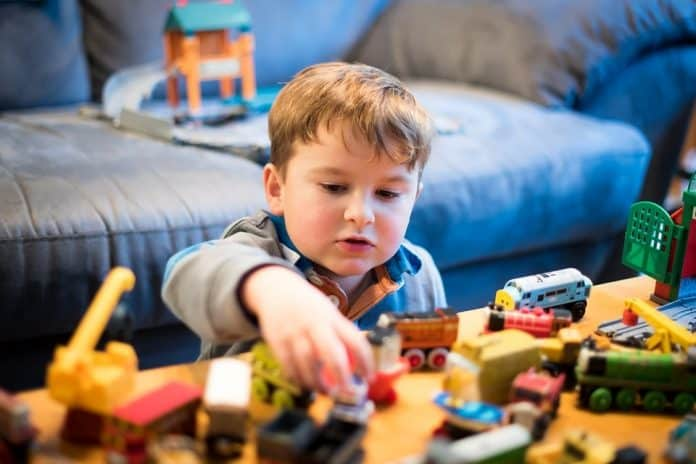how to start online toy store